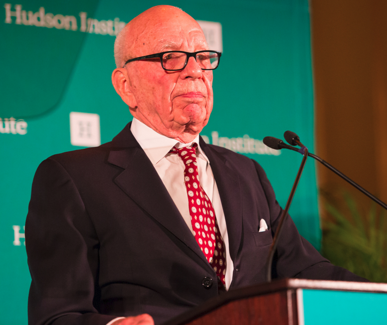 Murdoch accepting the Hudson Institute's 2015 Global Leadership Award