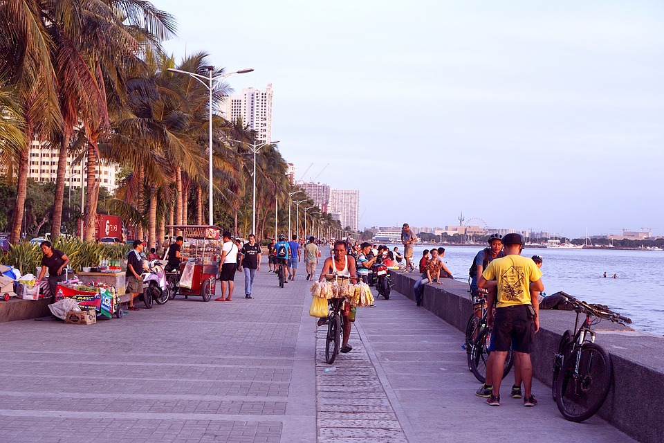 Vendors in manila bay
