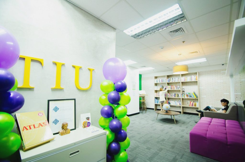 Telus extends short courses to employees' social communities