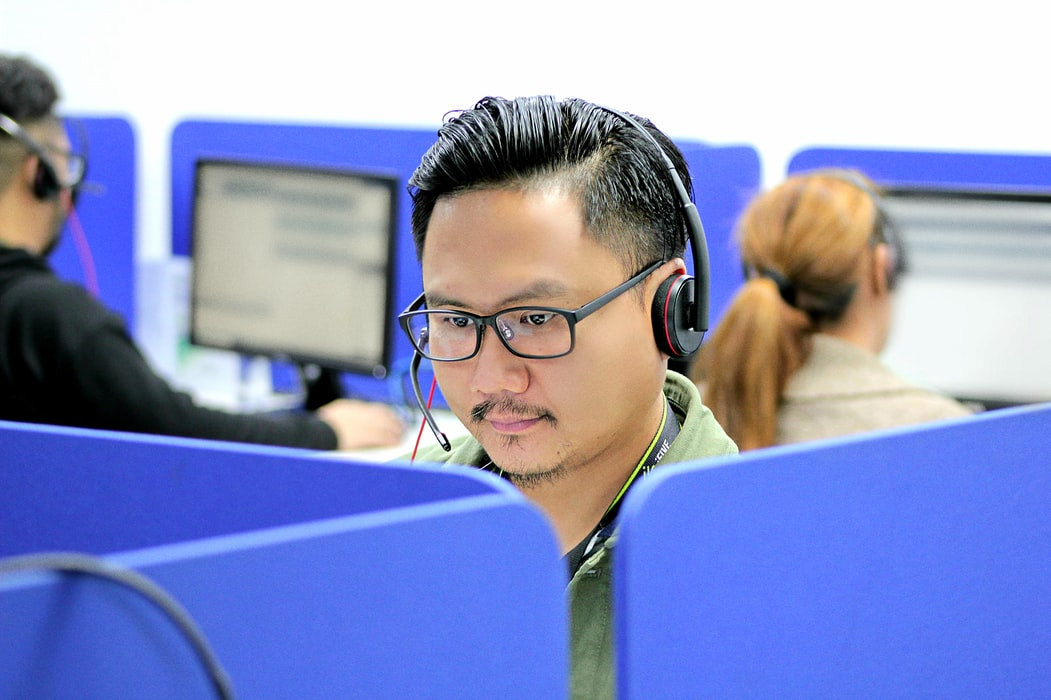 How to become a successful contact center professional